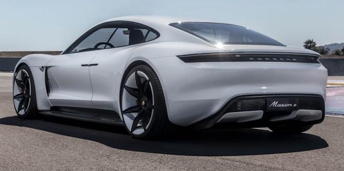 Porsche Taycan embarquera le service de streaming Apple Music ainsi que des données et abonnements offerts