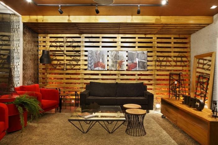 que faire avec des palettes, design salon avec différentes types de revêtement mural, diy mur en palette bois