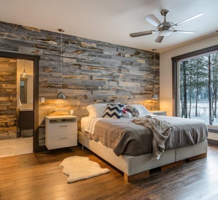 comment aménager une chambre en blanc et gris avec accents bois, exemple de revetement mural bois gris