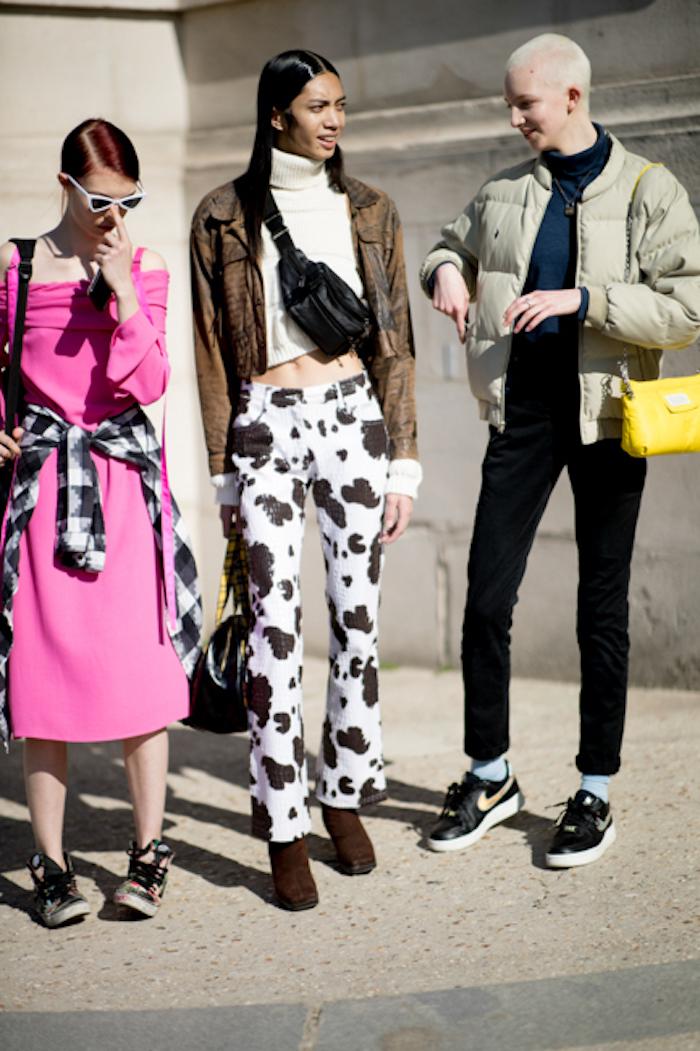 Les gens street style Milan, tendance hiver 2019 2020, femme bien habillée style casual chic, comment s'habiller pour Être à la mode