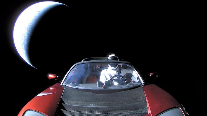 Le projet de l'astronaute artificiel Starman est la vitrine médiatique de SpaceX et sa fusée Falcon Heavy d'Elon Musk