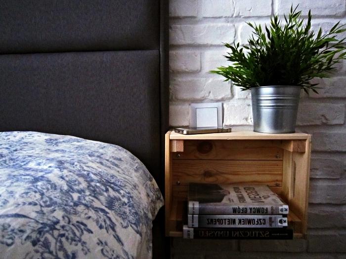 detournement meuble ikea pour la chambre à coucher, une caisse ikea knagglig détournée en table de chevet