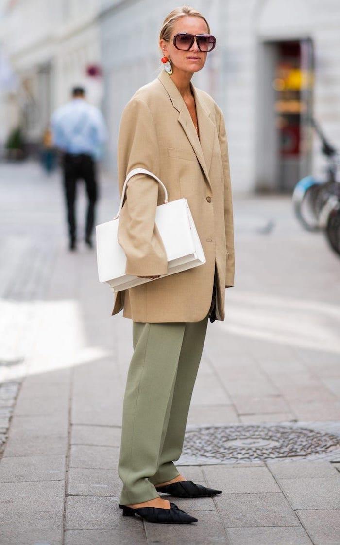 Pistache pantalon grande taille, tendance femme hiver 2019 2020 look hiver avec gros pull femme, semaine de la mode paris