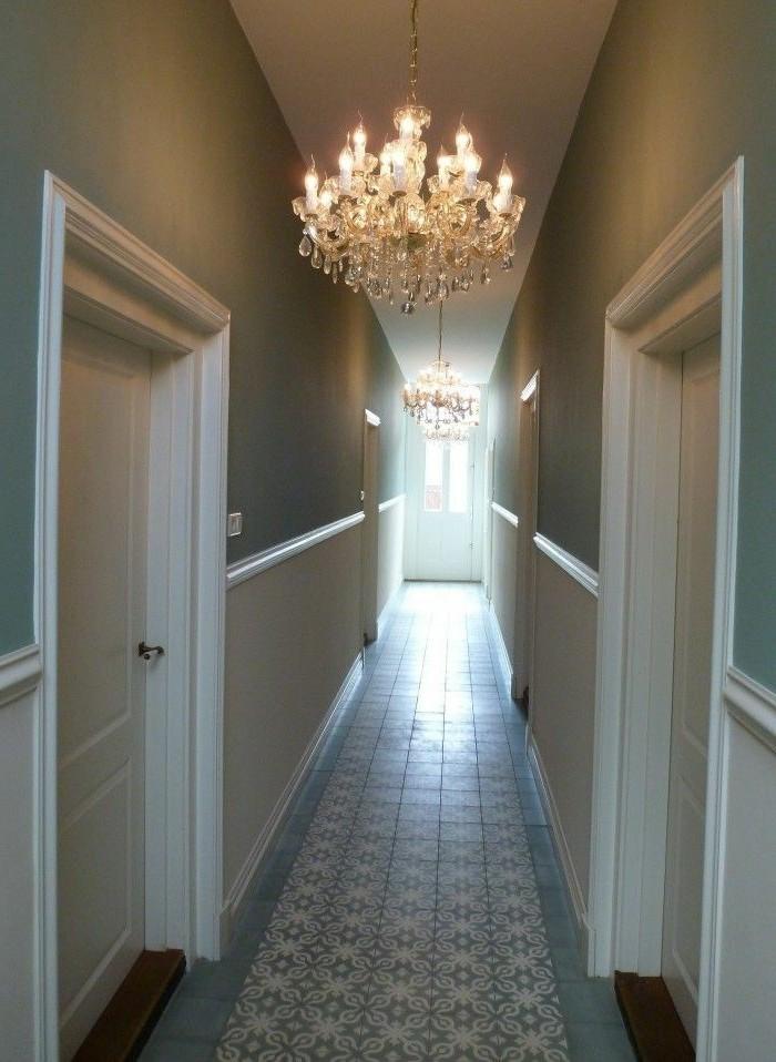 Lustre baroque, comment décorer son couloir en fonction de l'espace