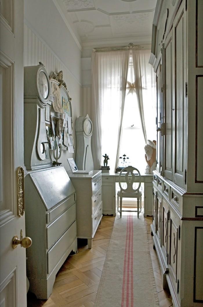VIntage meuble, idée déco couloir étroit, cool idée aménagement couloir stylé