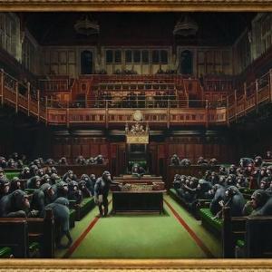 """Le tableau """"Devolved Parliament"""" de Banksy bientôt mis aux enchères"""