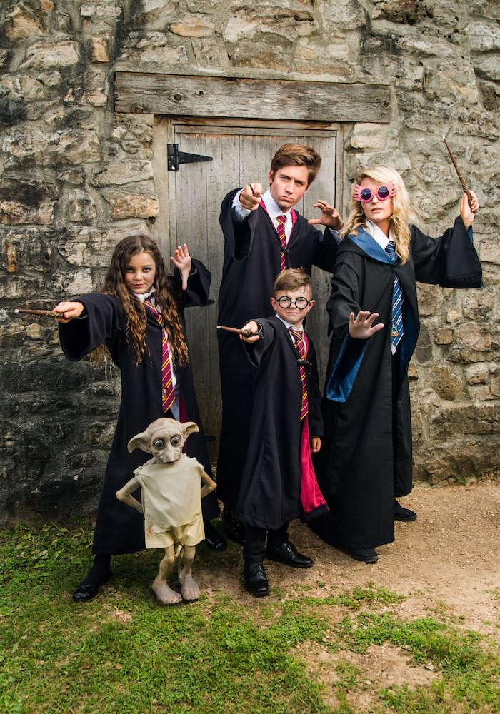 Hermoine et Harry Potter déguisement frère et soeur, idée deguisement halloween fille, déguisements pour toute la famille