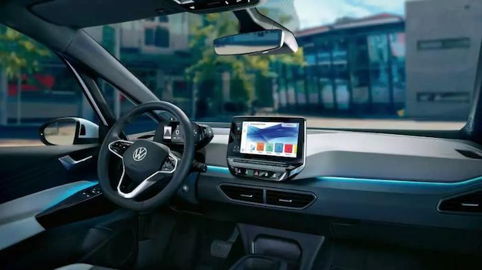 La nouvelle voiture électrique de Volkswagen, iD.3, est dotée d'une technologie de pointe en matière d'assistance