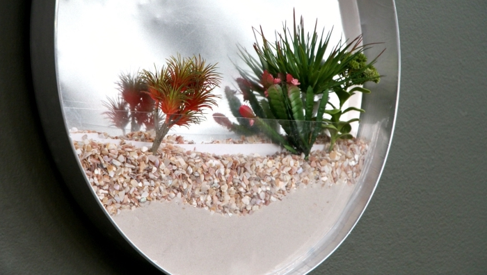 diy suspension murale avec sable et petites plantes, modèle de terrarium mural à faire soi-même avec mini plantes