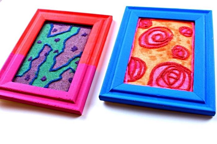 tableau de sable abstrait à réaliser soi même à l'aide de la colle, idées pour faire de l'art avec du sable decoratif