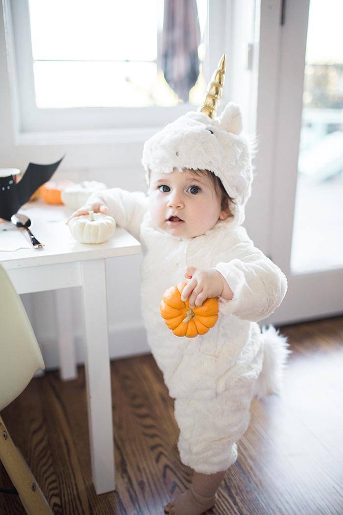 Licorne costume pour petit bébé, idée automne décoration et deguisement enfant, halloween costume pour bébé