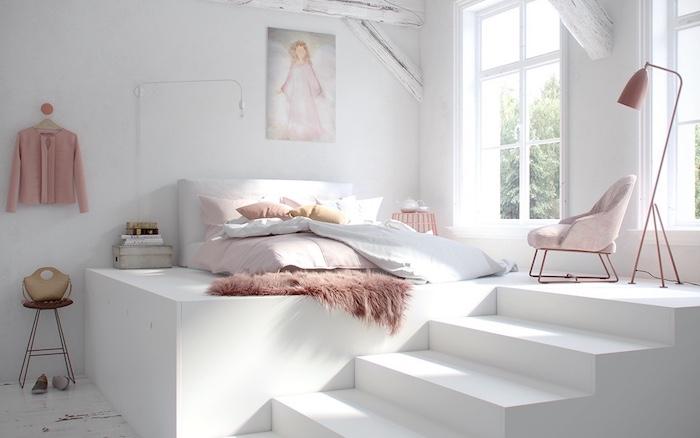 idee amenagement chambre rose et blanc avec lit matelas en hauteur, peau mouton rose, chaise rose, parquet blanchi, murs blancs, poutres apparentes blanchies