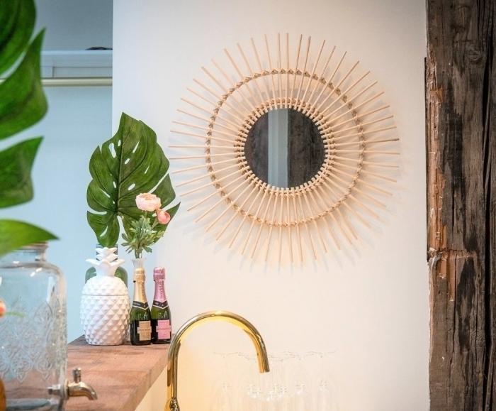 idée fabrication miroir facile et rapide pour salle de bain exotique, miroir ovale à bâtonnets bambou à faire soi même