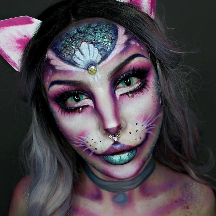 comment se maquiller pour halloween, idée makeup original effrayant, exemple de maquillage carnaval en chat cheshire