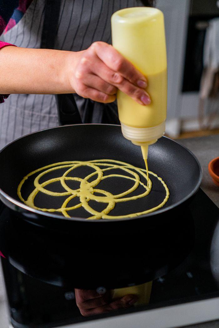 comment faire des crepes dentelle avec des trous, idee de recette de crepes healthy a faire soi meme