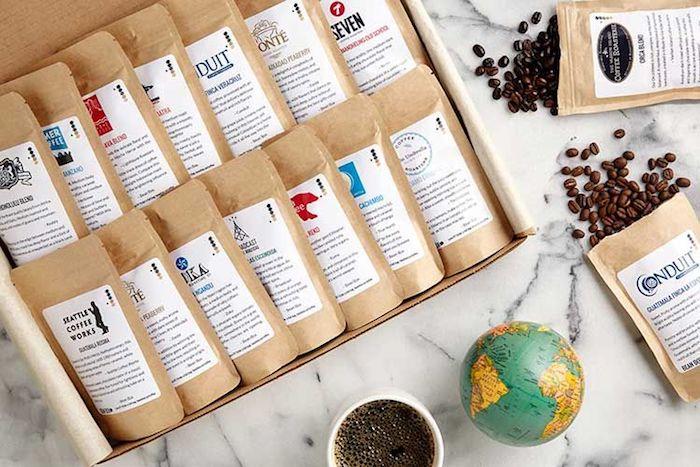 Café du monde coffret pour les amoureux de la boisson caffeinée, idée cadeau parents, idée de cadeau pour couple
