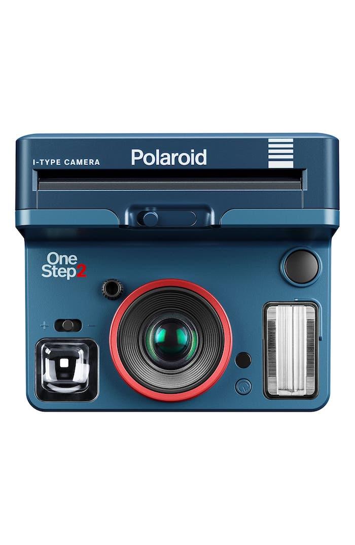 Appareil photo instantané marque Polaroid en collaboration avec Stranger Things, idée cadeau couple, coffret cadeau couple amoureux