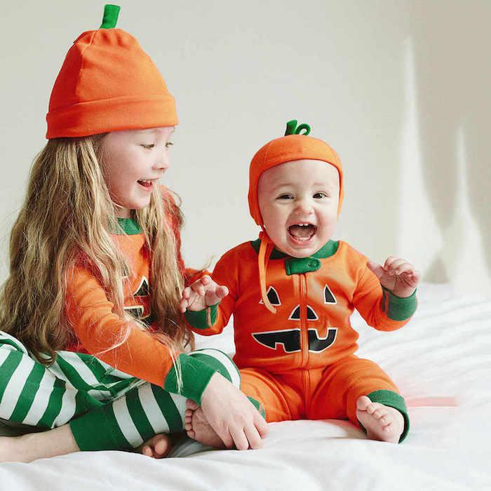 Citrouille deguisement bebe garcon et sa soeur ainée, deguisement halloween enfant citrouille