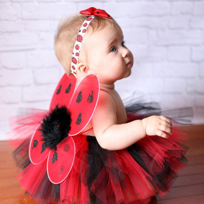 Coccinelle bébé fille avec diadème blanc et rouge, jupe ballet rouge et noir, deguisement bebe, deguisement disney, s'habiller comme coccinelle