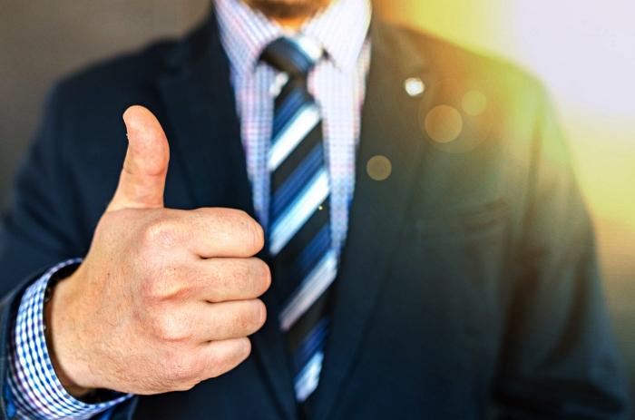astuces et conseils pour rédiger un bon cv, les étapes clés de la rédaction d'un cv, adapter sa candidature au poste visé