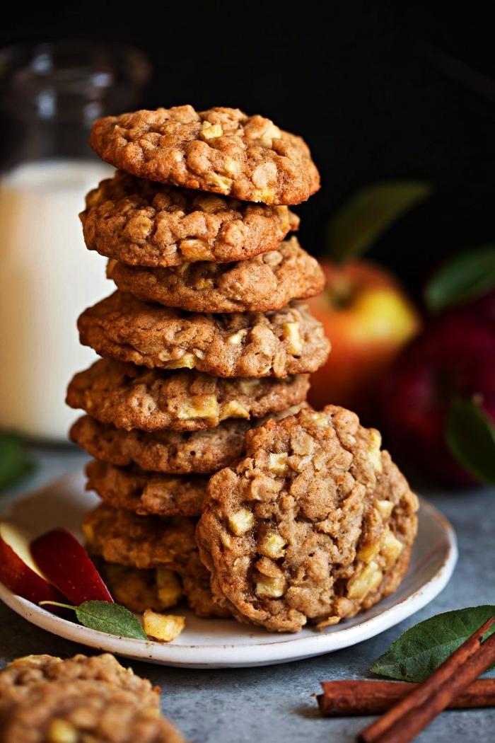 biscuits complets aux pommes, cannelle et flocons d'avoine, recette de cookies aux pommes et à la cannelle, idée dessert aux pommes