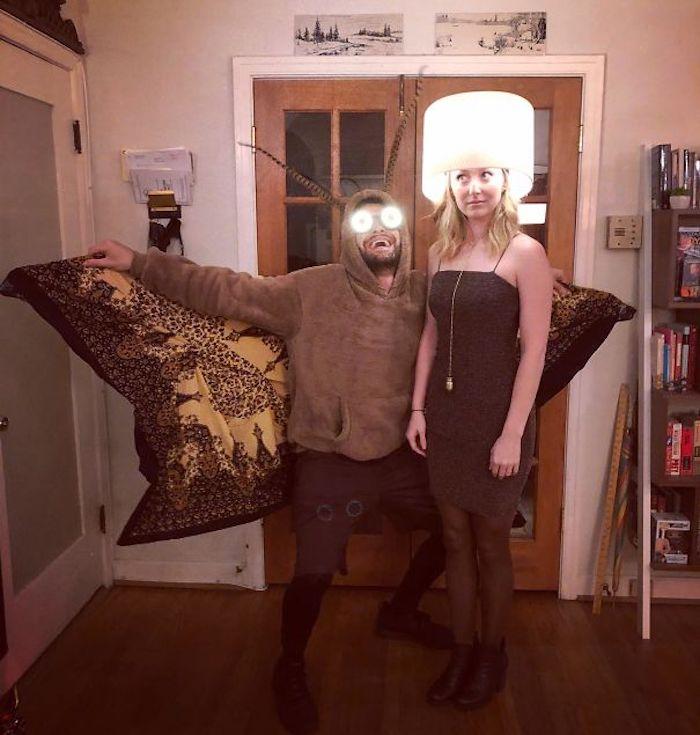Amusant deguisement homme et femme diy à faire la dernière minute, couple costumes lampe et moustique