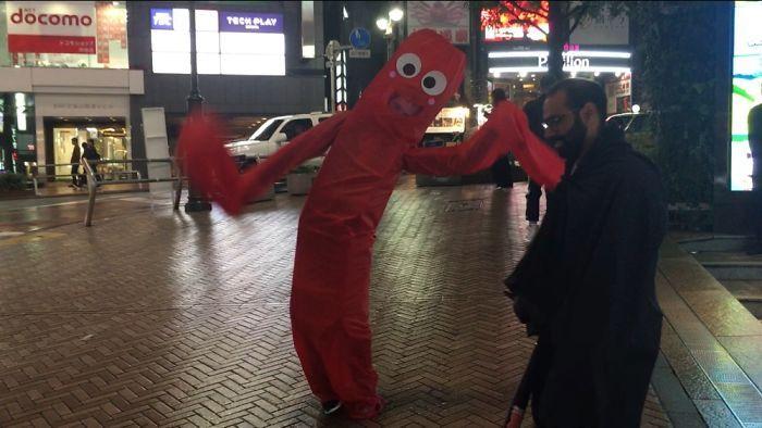 Gonflable déguisement facile, comment se déguiser pour la fete de halloween, idée de costume amusante rouge tissu