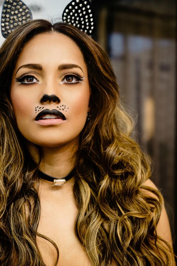 quel costume facile pour Halloween dernière minute, idée déguisement catwoman facile, maquillage simple halloween