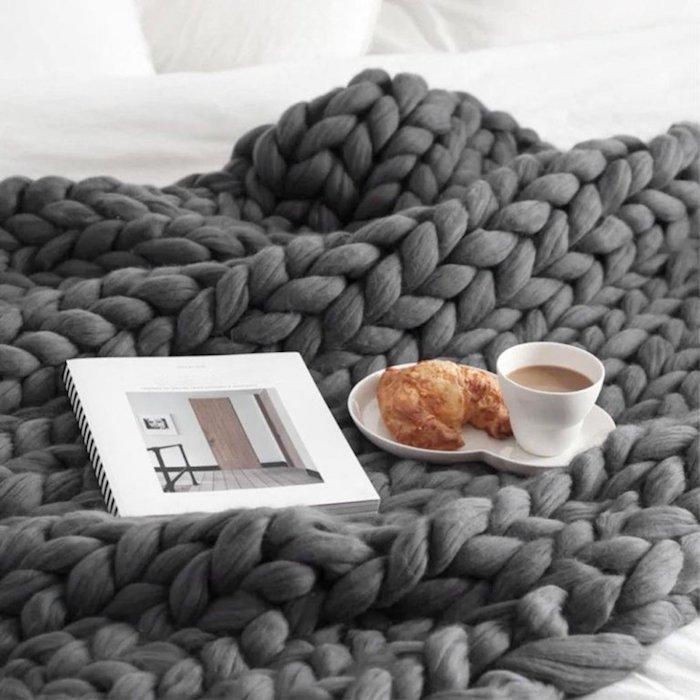 Couverture gris confortable, idée cadeau couple, idée cadeau commun pour parents pour se sentir bien à la maison