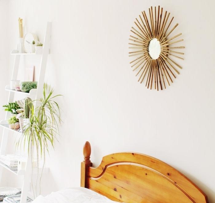 design chambre à coucher minimaliste avec objets déco DIY de style jungalow, modèle de miroir bambou facile à faire