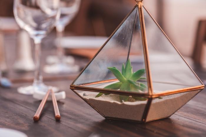 comment arranger la table mariage, mini terrarium fermé à faire soi-même, quelles plantes pour terrarium fermé