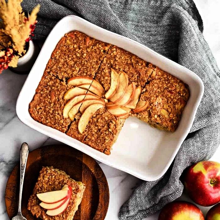 idée de dessert aux pommes vite fait, gâteaux aux pommes, flocons d'avoine et à la cannelle, idée de petit déjeuner healthy et équilibré