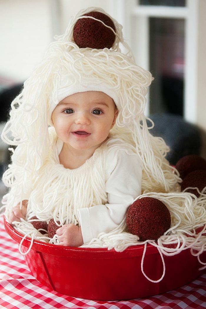 Pasta deguisement bebe, idée de deguisement halloween enfant, idée symbole de la douceur du bebe