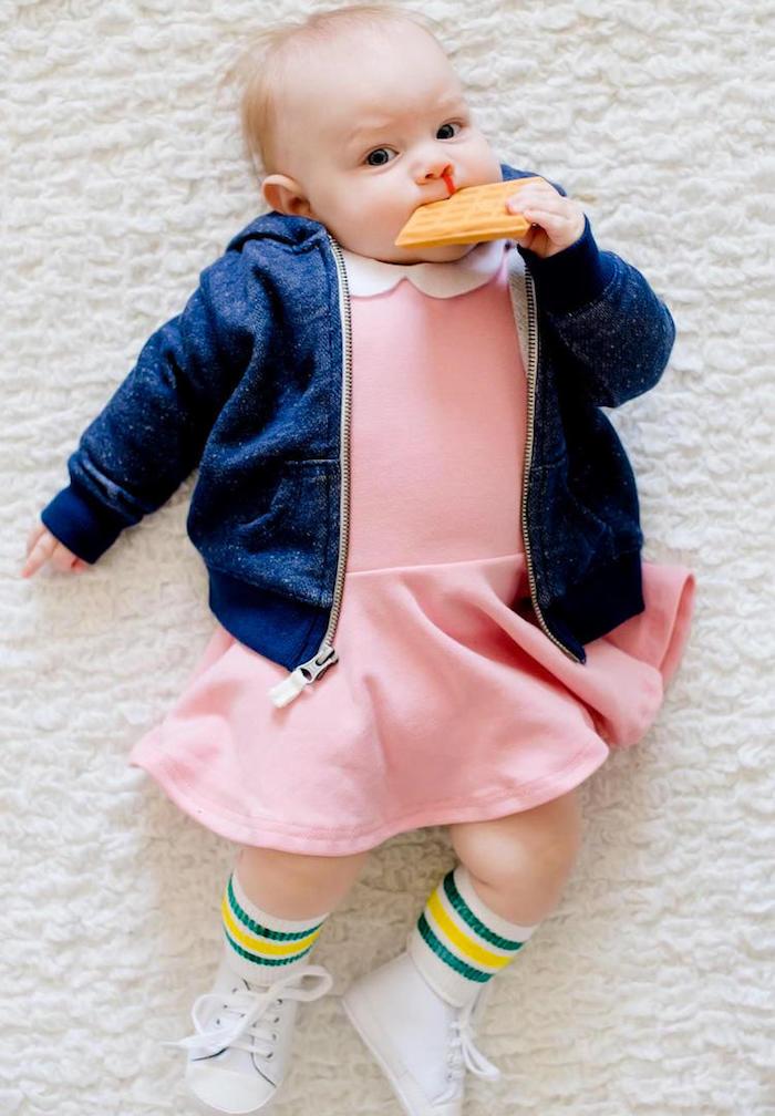 Elle de Stranger things déguisement bebe, mignonne idée pour le bébé à Halloween pour s'amuser