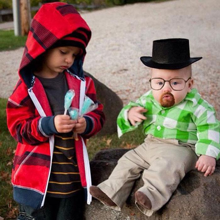 Deux bébés déguisés comme les caractères de Braking Bad, deguisement groupe, comment s'habiller, déguisement en commun