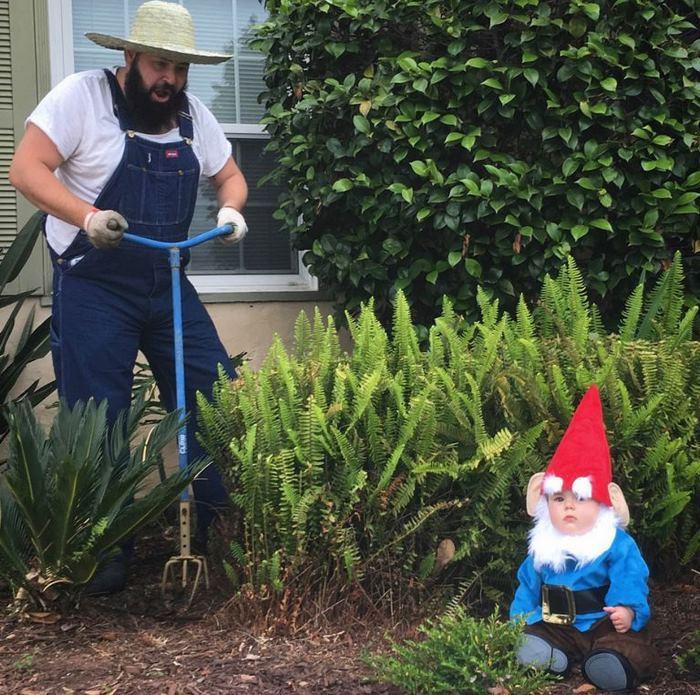 Père et fille idée deguisement bebe fille, chouette idée comment s'habiller, jardin gnome déguisement bébé