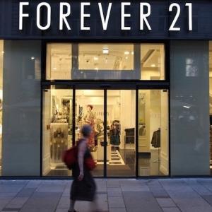 Forever 21 s'annonce en faillite et ferme 350 magasins