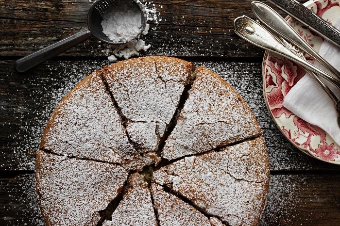 gâteau russe aux pommes, recette de sharlotka riche en pommes, gâteau au coeur tendre de pommes