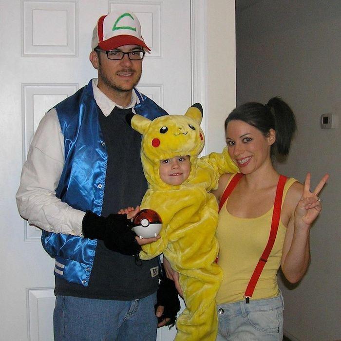 Pokémon costumes pour toute la famille, parents et son bébé comme pikachu, idée comment deguiser son enfant, moderne déguisement pikachu