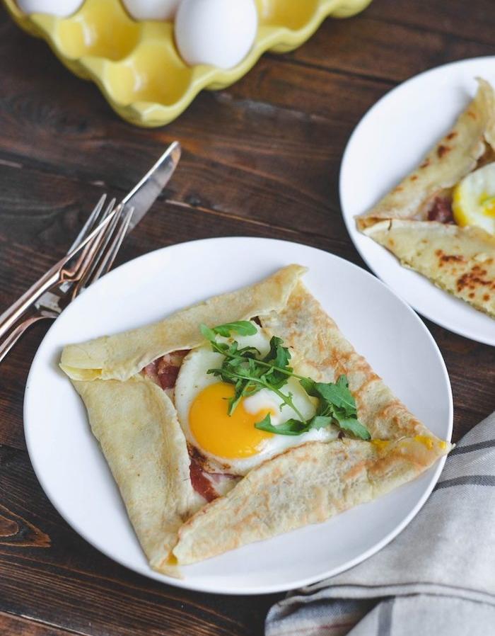 recette crepe salée simple, une crepe petit dejeuner ideal en poche de crepe avec jambon oeuf et fromage