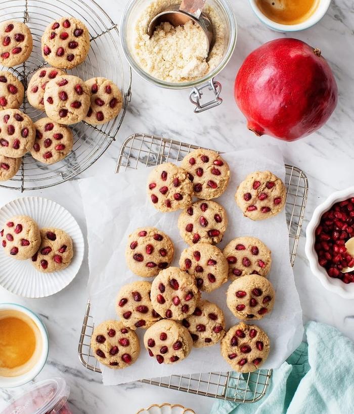 recette de cookies sains avec des grains de grenade pour rempalcer les pepites de chocolat