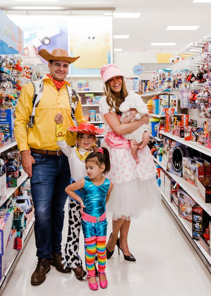 Famille deguisement disney Toy story, cool deguisement halloween enfants, bébé et parents