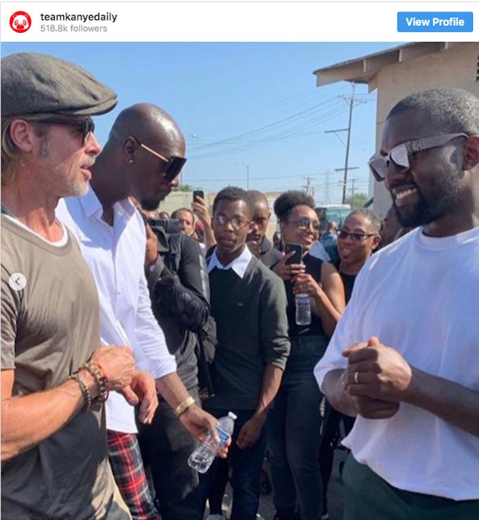 Brad Pitt a rendu visite en toute décontraction à l'office religieux du Sunday Service, organisé par Kanye West à Watts