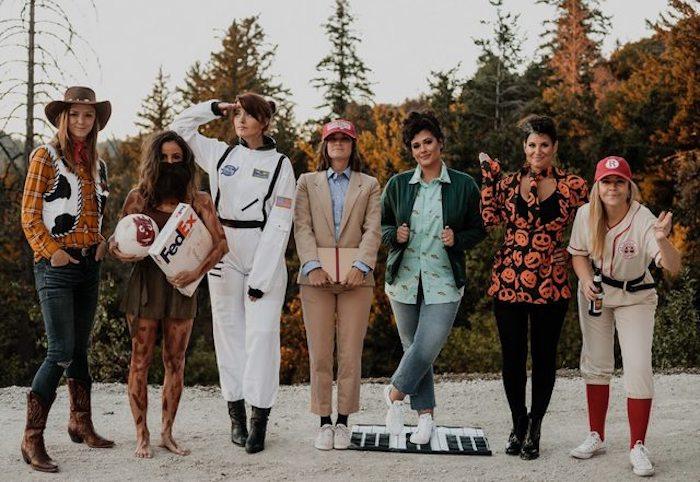 Idée déguisement tom hanks différentes roles, amies deguisement de groupe de serie tv et films, déguisement annee 90 rétro soirée