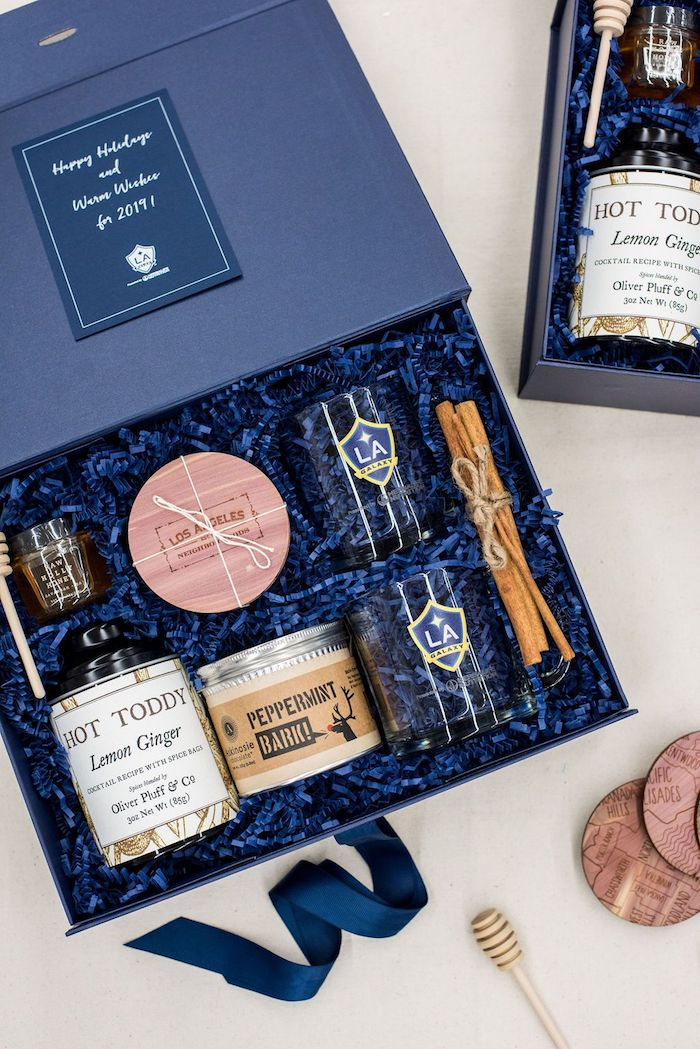 Bleu box cadeau couple, idée cadeau amoureux simple et bonne, choses luxueuses pour la couple qui aime les cocktails
