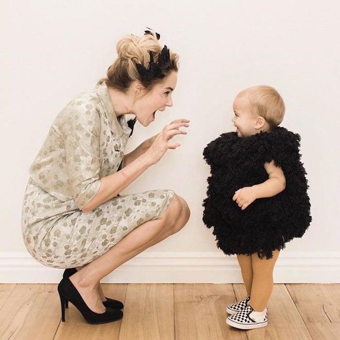 Mère et fille costumes adorables, deguisement bebe fille, chouette idée comment s'habiller