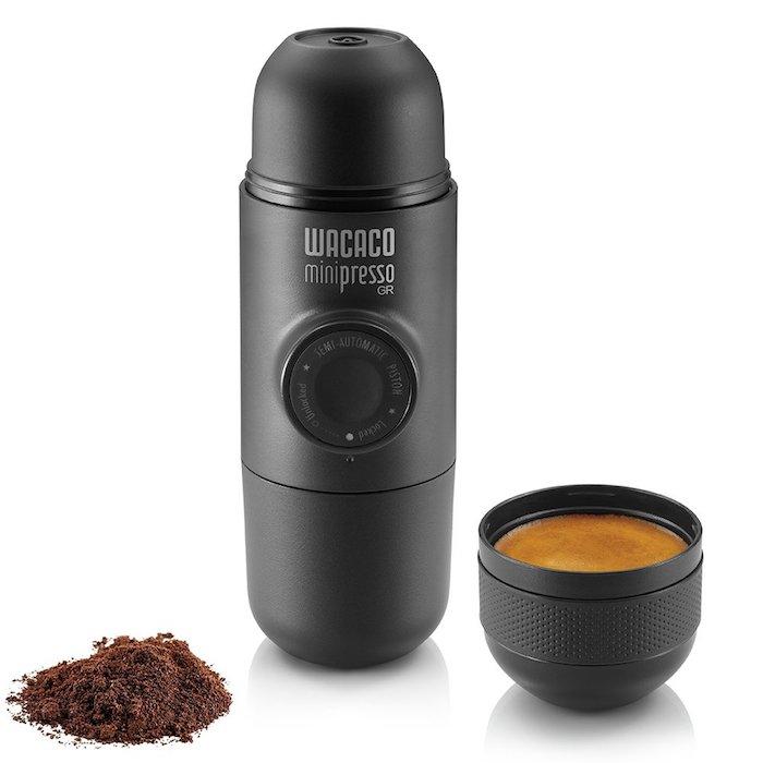 Minipresso pour couple qui voyage beaucoup, idée cadeau 1 an couple, box cadeau couple, que offrir a ses amis