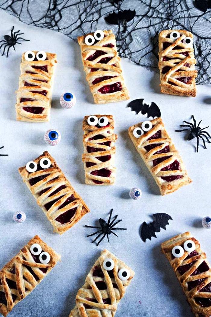 feuilletées momies à la confiture de framboises, dessert facile et rapide pour l'apéro de halloween