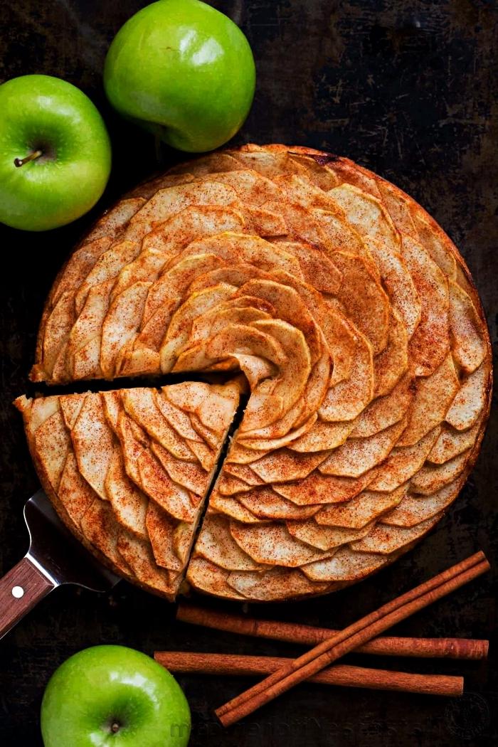 tarte aux pommes et à la cannelle, idée que faire avec des pommes, dessert d'automne et d'hiver facile et rapide