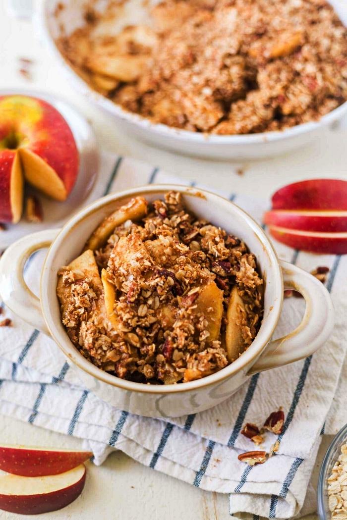 recette crumble healthy aux pommes et à l'avoine, parfumé d'épices pour tarte à la citrouille